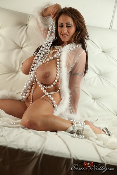 Eva-Notty-String-of-Pearls-Between-Huge-Tits-019