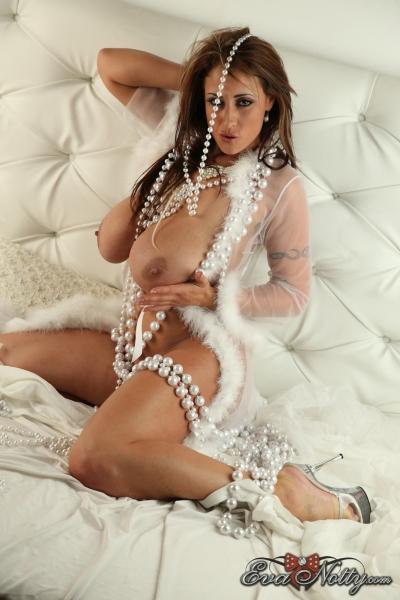 Eva-Notty-String-of-Pearls-Between-Huge-Tits-022