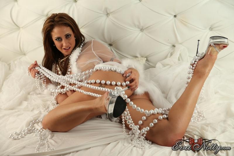 Eva-Notty-String-of-Pearls-Between-Huge-Tits-034