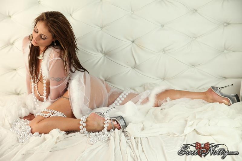 Eva-Notty-String-of-Pearls-Between-Huge-Tits-073
