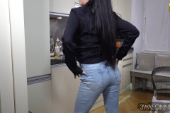 Ewa Sonnet Heavy Breasts and Tight Jeans 002