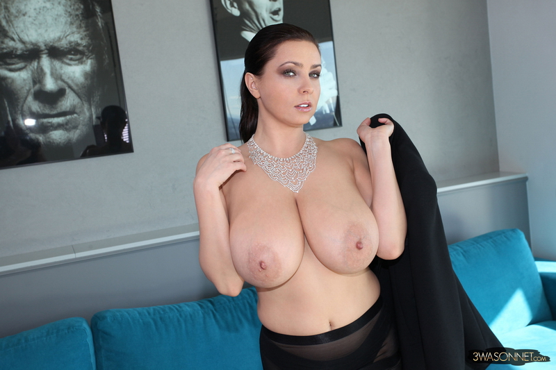 Ewa-Sonnet-Huge-Tit-Secretary-with-no-Bra-011