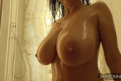 Ewa-Sonnet-Huge-Tits-Get-Taken-for-a-shower-003