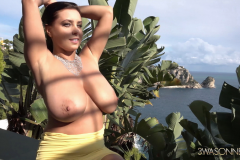 Ewa-Sonnet-Huge-Tits-in-Very-Tight-Yellow-Dress-016
