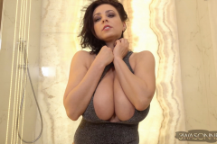 Ewa-Sonnet-Huge-Tits-Look-Amazing-in-Sparkly-Outfit-002