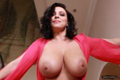 Ewa-Sonnet-Huge-Tits-Look-Fantastic-in-Pink-Dress-017