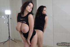 Ewa-Sonnet-Huge-Tits-Sexy-Black-Party-Dress-019