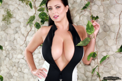 Ewa Sonnet Massive Tits in Black and White Swimsuit 001