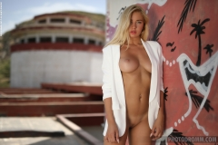 Fabiana-Big-Tit-Blonde-in-Tight-White-Jacket-for-Photodromm-004