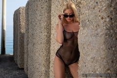 Fabiana-Big-Tits-and-Big-Stone-Blocks-for-Photodromm-001