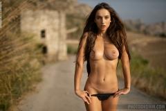 Gloria-Big-Tit-Fitness-Babe-in-Black-Bikini-for-Photodromm-005
