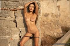 Gloria-Big-Tit-Fitness-Babe-in-Black-Bikini-for-Photodromm-007