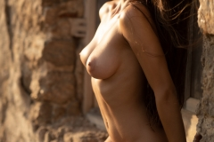 Gloria-Big-Tit-Fitness-Babe-in-Black-Bikini-for-Photodromm-011