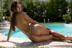 Gloria-Big-Tits-in-Frilly-Bikini-at-the-Pool-for-Photodromm-011