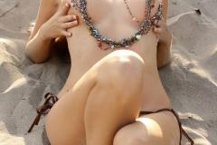 Hayley-Marie-Coppin-Big-Boobs-in-Bronze-Bikini-006