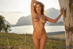 Heather Nice Tits naked at the Lake for Photodromm 006