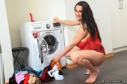 Helen-Star-Huge-Tit-Babe-Doing-Her-Washing-006