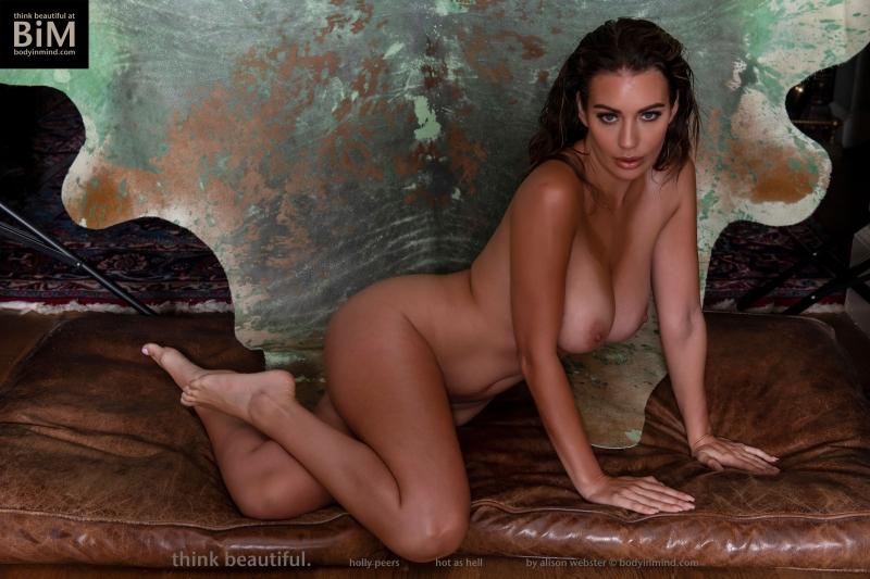 Holly-Peers-Big-Test-in-Green-Bikini-014