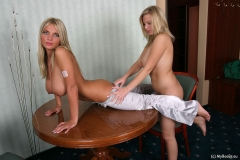 Ines-Cudna-Big-Tit-Bllonde-plays-with-Malina-on-the-Table-010