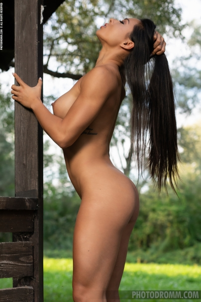 Irene-Big-Tits-Get-Fir-in-the-Forest-for-Photodromm-012