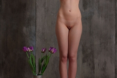 Jacqueline-Big-Tits-with-Violet-Gloves-and-Violets-for-Body-in-Mind-004