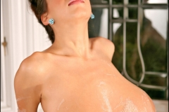 Jana-Defi-Huge-Tits-Taken-for-a-Bubble-Bath-013