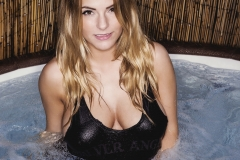 Jessica Kingham Big Boobs in the Hot Tub 02