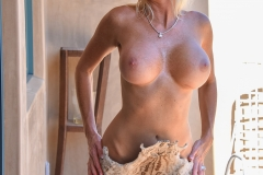 Jewel Big Tits and a Cowboy Hat for FTV Milfs 001