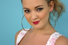 Jodie Gasson Cleavage Pinup Girl 01