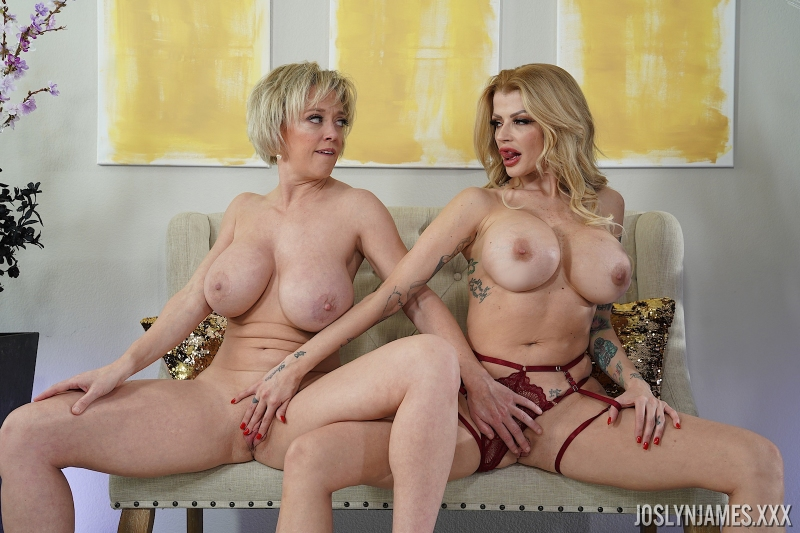 Joslyn-James-and-Dee-Williams-Big-Tit-Blonde-Lesbian-Action-019