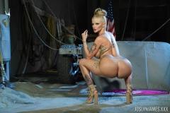 Joslyn-James-Big-Tits-in-Orange-Lingerie-010