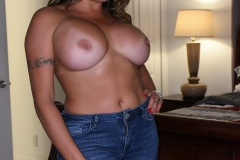 Julianna-Vega-Huge-Tits-and-Jeans-006