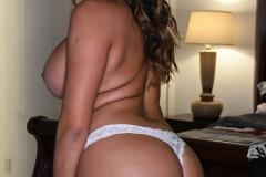 Julianna-Vega-Huge-Tits-and-Jeans-009