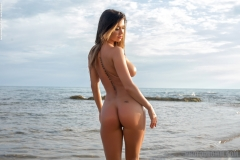 Justyna Big Naked Tits in the Sea for Photodromm 001