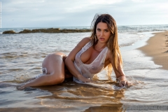 Justyna Big Naked Tits in the Sea for Photodromm 012