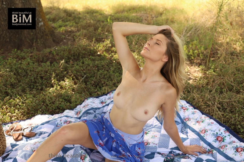 Katie-Darling-Gets-Naked-on-Picnic-for-Body-in-Mind-006
