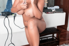Katie Thornton Huge Breasts Personal care bathtime 011
