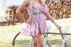 Katie-Thornton-Huge-Tits-in-Little-Summer-Dress-001