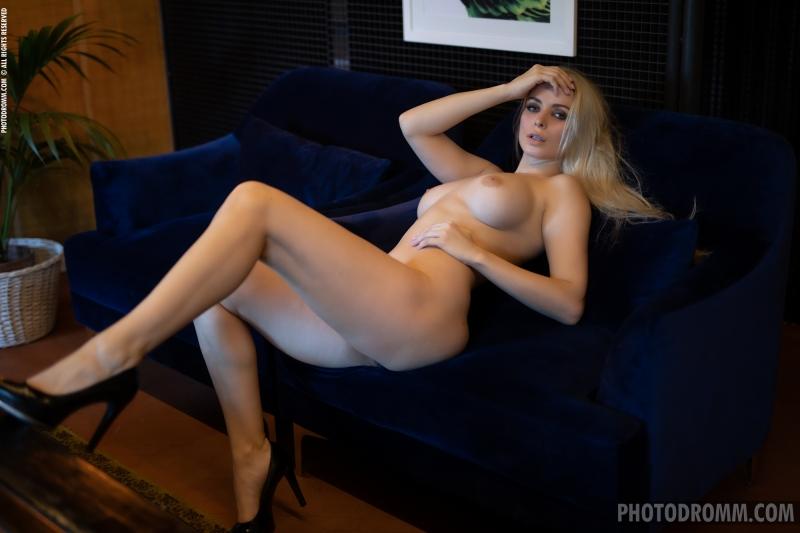 Katya-Big-Tit-Blonde-in-a-Big-blue-Coat-for-Photodromm-010