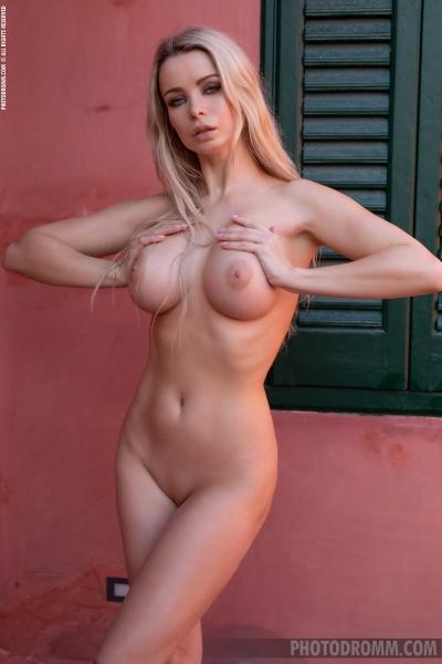 Katya-Big-Tit-Blonde-in-Little-Black-Panties-for-Photodromm-008