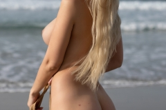 Katya-Big-Tits-Out-at-the-Seaside-for-Photodromm-009