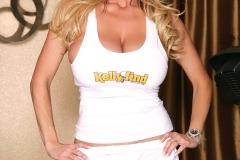 Kelly-Madison-Huge-Tit-Gym-Girl-001