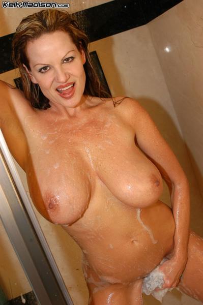 Kelly-Madison-Huge-Tit-Shower-Time-005