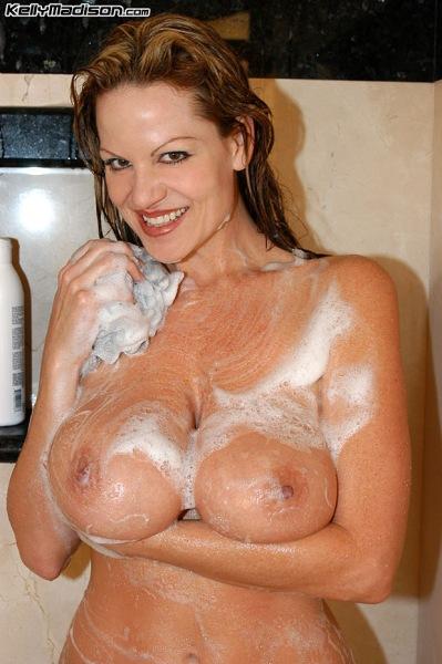 Kelly-Madison-Huge-Tit-Shower-Time-015