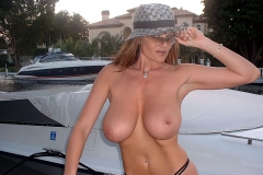 Kelly-Madison-Huge-Tits-Getting-on-a-Boat-011