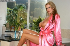 Kelly-Madison-Huge-Tits-in-Pink-Silk-Robe-002