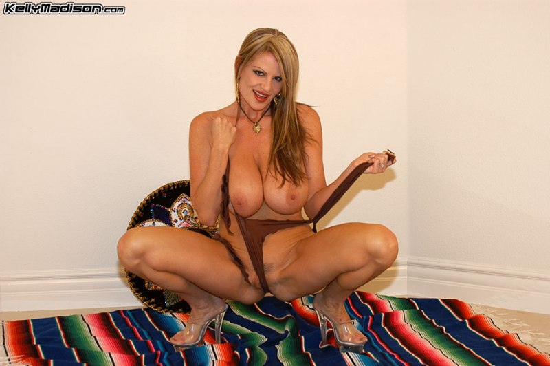 Kelly-Madison-Huge-Tits-Under-a-Sombrero-010