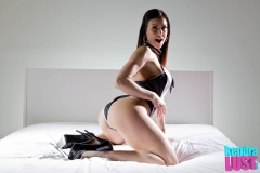 Kendra-Lust-Feeds-Big-Tit-to-Dani-Daniels-002