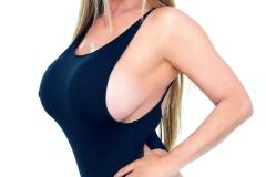Kianna-Dior-Huge-Tit-Asian-Babe-Shows-Off-001