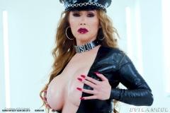 Kianna-Dior-Huge-Tit-Asian-Babe-Shows-Off-010